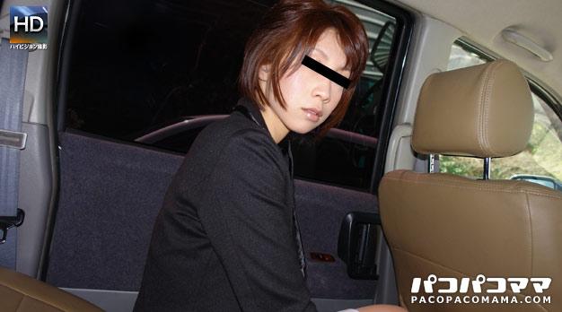 ごっくんする人妻たち 15 〜車内で生姦〜