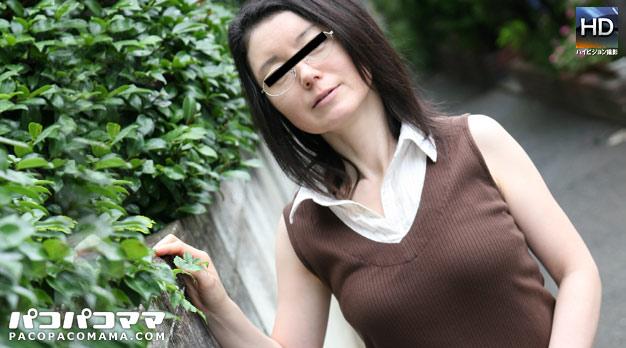 老眼鏡の似合う奥様 〜眼鏡をかけたまま生姦〜